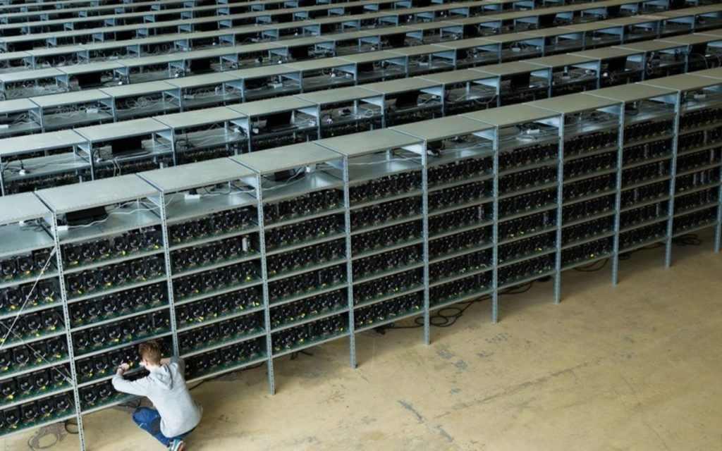 HIVE Blockchain достигла цели в 1 экзахеш в майнинге биткоина